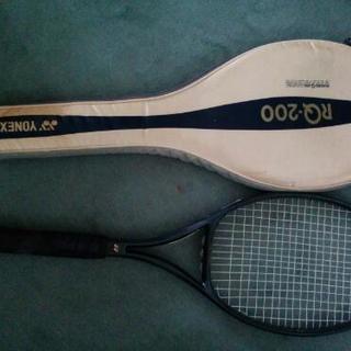 テニスラケット ヨネックスRQ200
