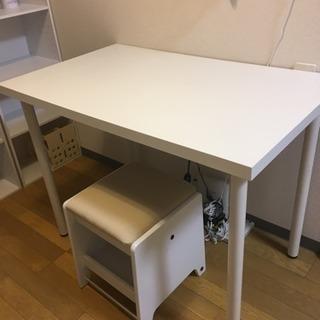 ikea 白いテーブル