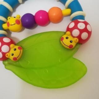 赤ちゃんおもちゃ にぎにぎ かみかみ 歯固め - 子供用品