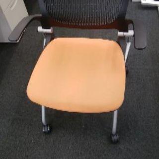 オフィス椅子 オレンジ 2