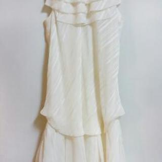 ホワイトワンピースドレス