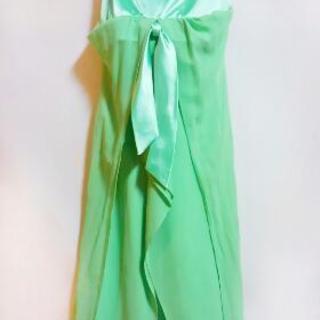 グリーンワンピースドレス