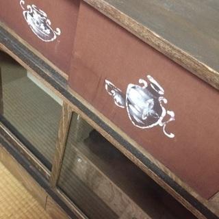 昭和レトロな飾り棚