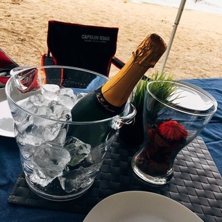 【イタリア料理のBBQ×ビーチで水...