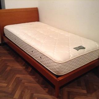 【取引終了】【無料】日本ベッドのシングルサイズのフレームとマット...