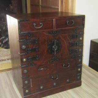 古い アンティーク 総無垢の時代箪笥 桐材使用 小箪笥