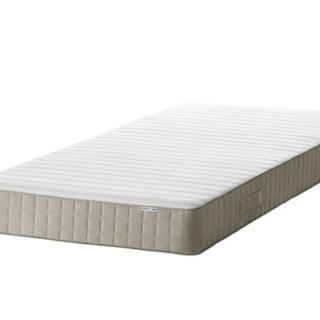 イケア  シングルベッドとマットレス 90X200 今年4月買っ...