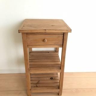 木製サイドテーブル 引き出し付き