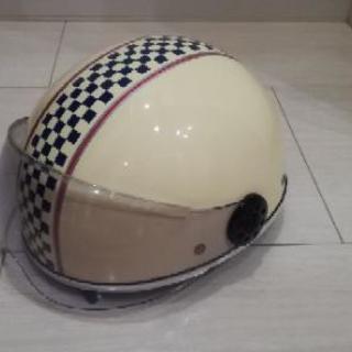 【美品】おしゃれなヘルメット 原付バイク