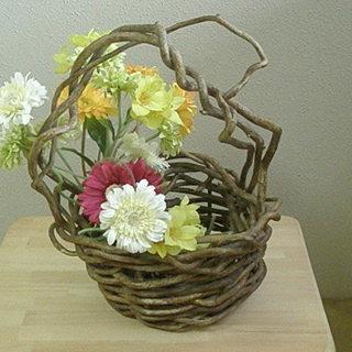 かずらの花籠 とマーガレット他の造花15本