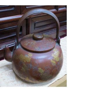 茶道具 水差し 銅製 金箔 彫刻 花 蝶 ススキ 柄など 幅20...