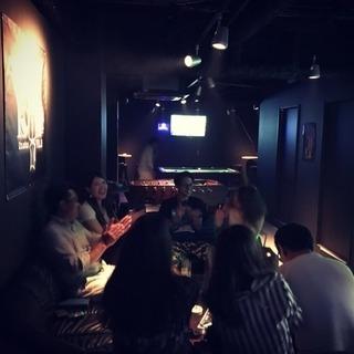 新世界に新オープンのPool Bar YOLO(スポーツバー)