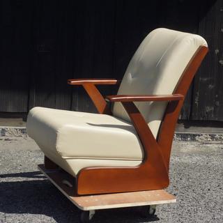 【新品】革張り 高級 キャスター付き ハイバックチェア コタツ座椅子