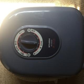 三菱 布団乾燥機 AD-E200 ダニパンチ