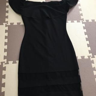 黒 ドレス