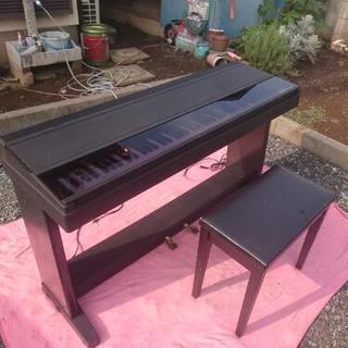 電子ピアノ  YAMAHA。。。。。