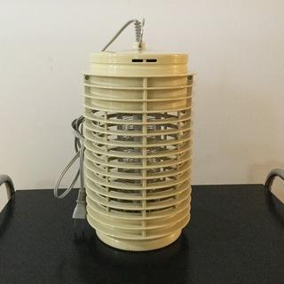 値下げ‼️電撃式殺虫器  バチトール