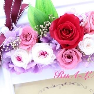 お花の魅力たっぷりのプリザーブドフラワー体験