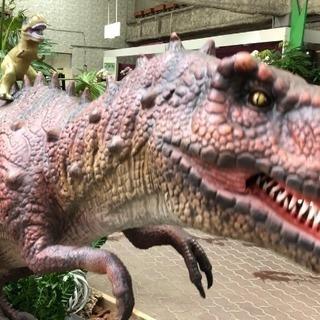 赤塚植物園で恐竜が大暴れ中!!!! − 三重県