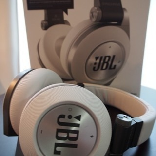 【値下げ】JBLワイヤレスヘッドフォンSYNCHROS  E50BT