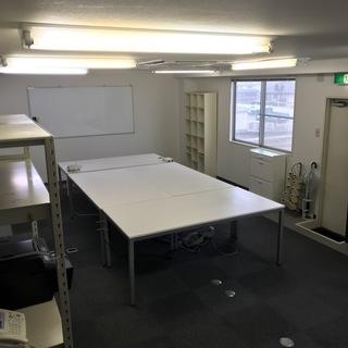 田原本 事務所と会議スペースが独立した広々の賃貸物件です。
