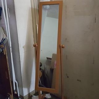 キャスター付き長い鏡