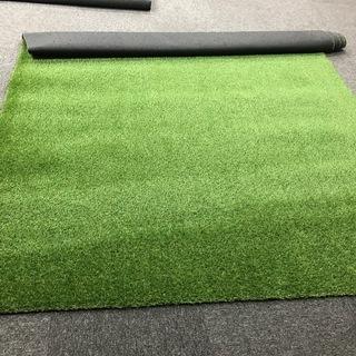 リアル人工芝 ほとんど使用してません 2×4m:2枚 と   1×...