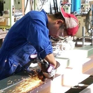 技能工(溶接・金属加工等)本社工場勤務