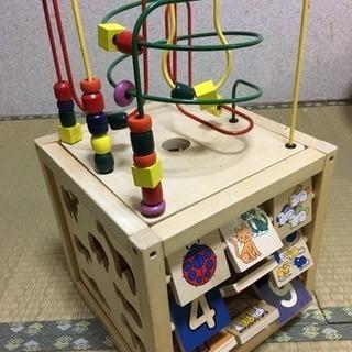 知育玩具 木箱型のおもちゃ