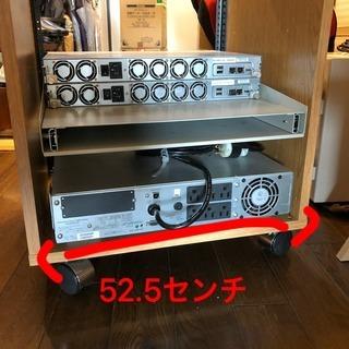 標準型19インチサーバーまたは楽器等のラック
