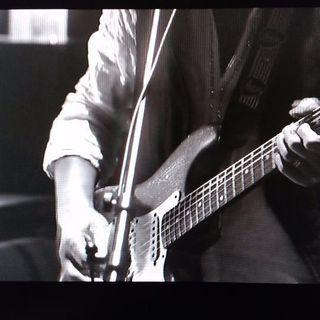 ギターを気楽に弾いてみたい方々に🎶🎸