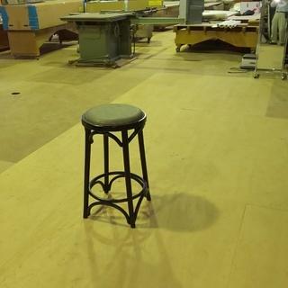 高さの高い椅子H=650  直径370mm