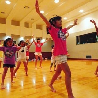 未就学児と小学生を対象にしたテーマパークダンスクラスとアイドルダン...
