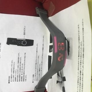 ◆【新品★取り説付き】【アウトドアに最適なLEDデジタル腕時計】◆
