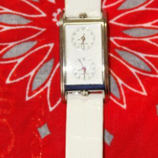 【美品】レディース 腕時計 デュアルタイム ホワイトレザー