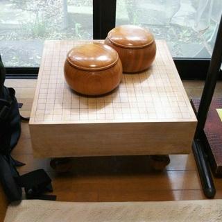 囲碁の碁盤、碁石セット