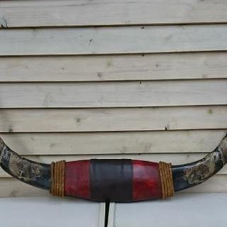 水牛の角 両角に龍の彫刻あり 置物