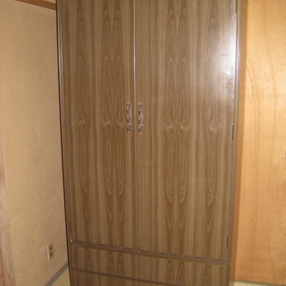 洋服タンス・箪笥☆鏡2面付き 引き出し2段 小引き出し2個