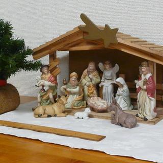 ■キリスト降誕セット、馬小屋飾り、クリスマスツリーも付けました。...