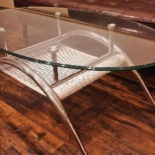 オーバル型ガラス天板のセンターテーブル