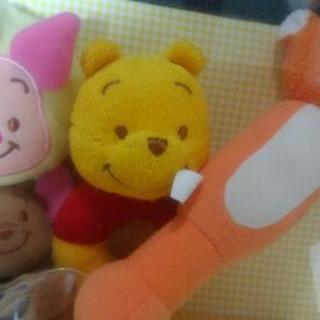 【新品】プーさん 音の鳴るおもちゃ 4点 ディズニーストア がら...