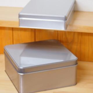 空き箱の缶★四角★何かに使えませんか?2個