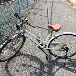 中古自転車白6段ギア 27インチです
