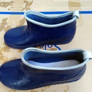 女性用、Mサイズの長靴貰って下さい