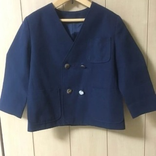 seagullの幼稚園制服ブレザー110センチ シルバーボタン 紺色