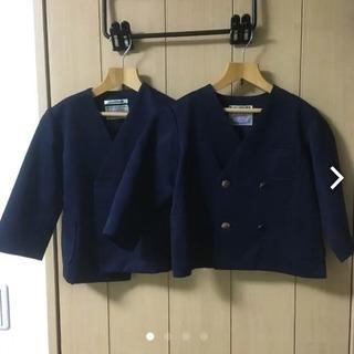 JAKUETSUの幼稚園制服ブレザー100センチ 紺色 2枚セットです