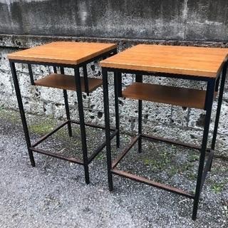 カフェテーブル 二台