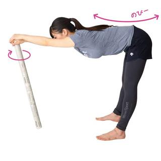 10秒ガチガチの関節、筋肉がほぐれる新聞棒ストレッチ講座 - スポーツ