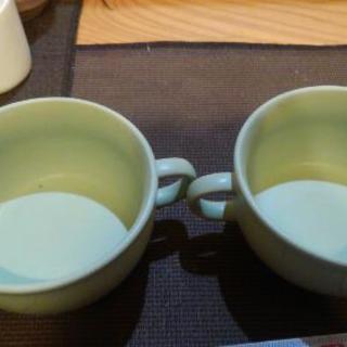 ライトグリーンのグラタン皿2個