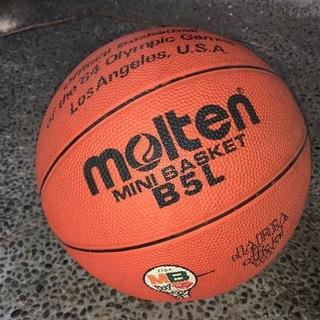 【値下げ】molten モルテン バスケットボール B5L